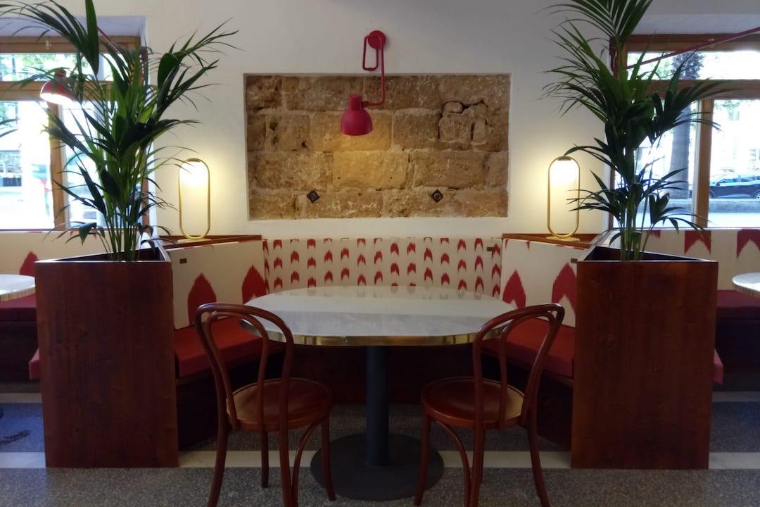 Fotografia del interior de Can Joan de sAigo en Calle Sindicat